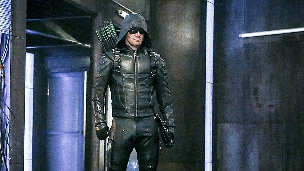 Stephen Amell's New Arrow Costume