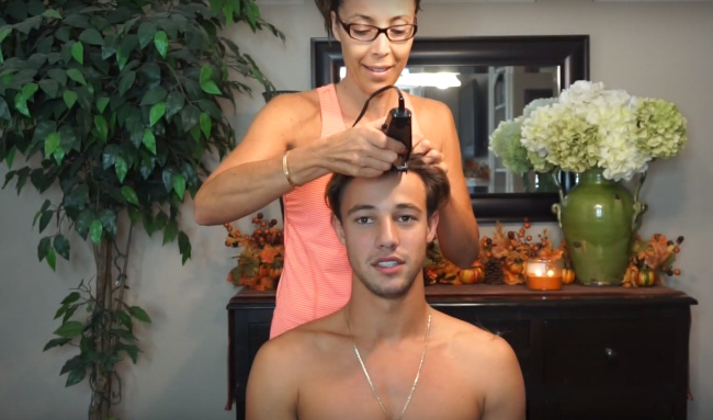 Cameron Dallas shaving his head