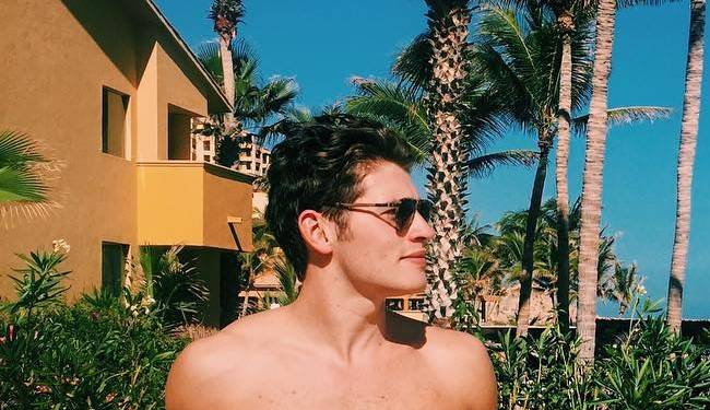 Gregg Sulkin mexican vacation