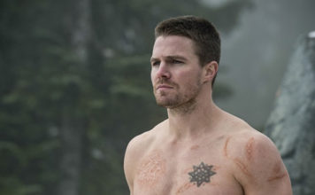 Stephen Amell arrow outside