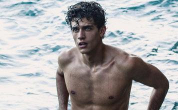 Xavier Serrano swimming