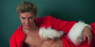 ryan phillippe shirtless santa
