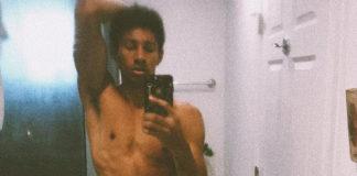Keiynan Lonsdale naked selfie