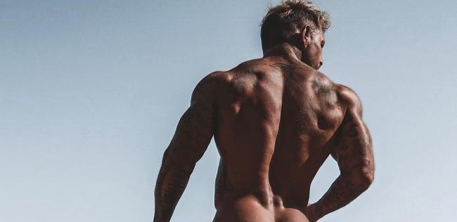 Sean Pratt naked on the beach