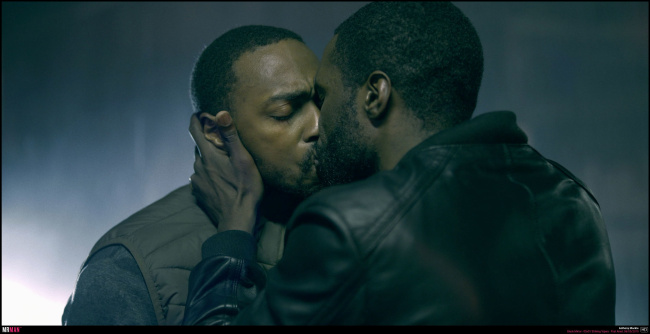 Anthony mackie gay kiss